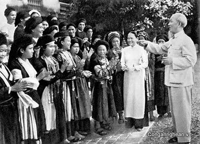 Bác với phu nữ Việt Nam